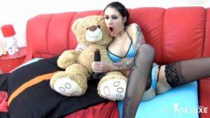 mit-teddy-masturieren